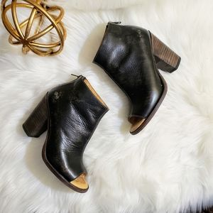 Bed Stu | 7.5 Onset ankle bootie black heel boot